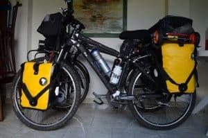 bici-cargada-alforjas
