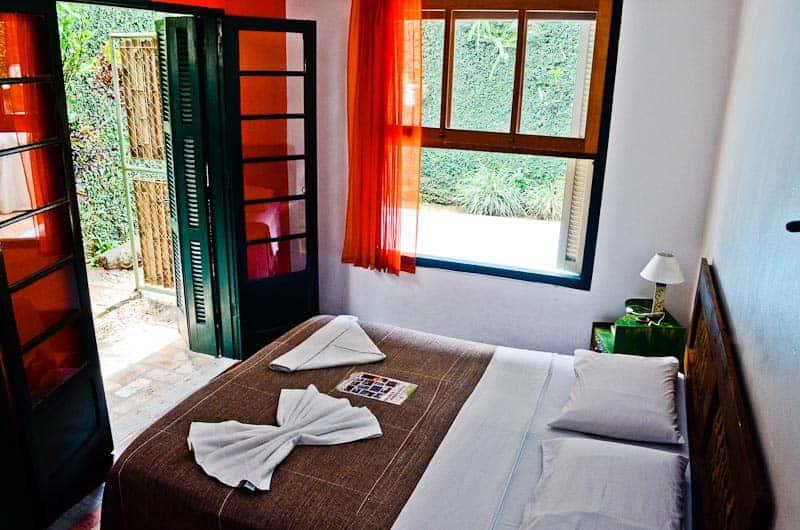 hostel-ilhabela-brasil